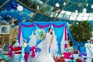 Модель на свадебной выставке