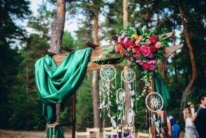 Арка, украшенная под выбранную тематику