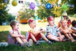 Дети на празднике